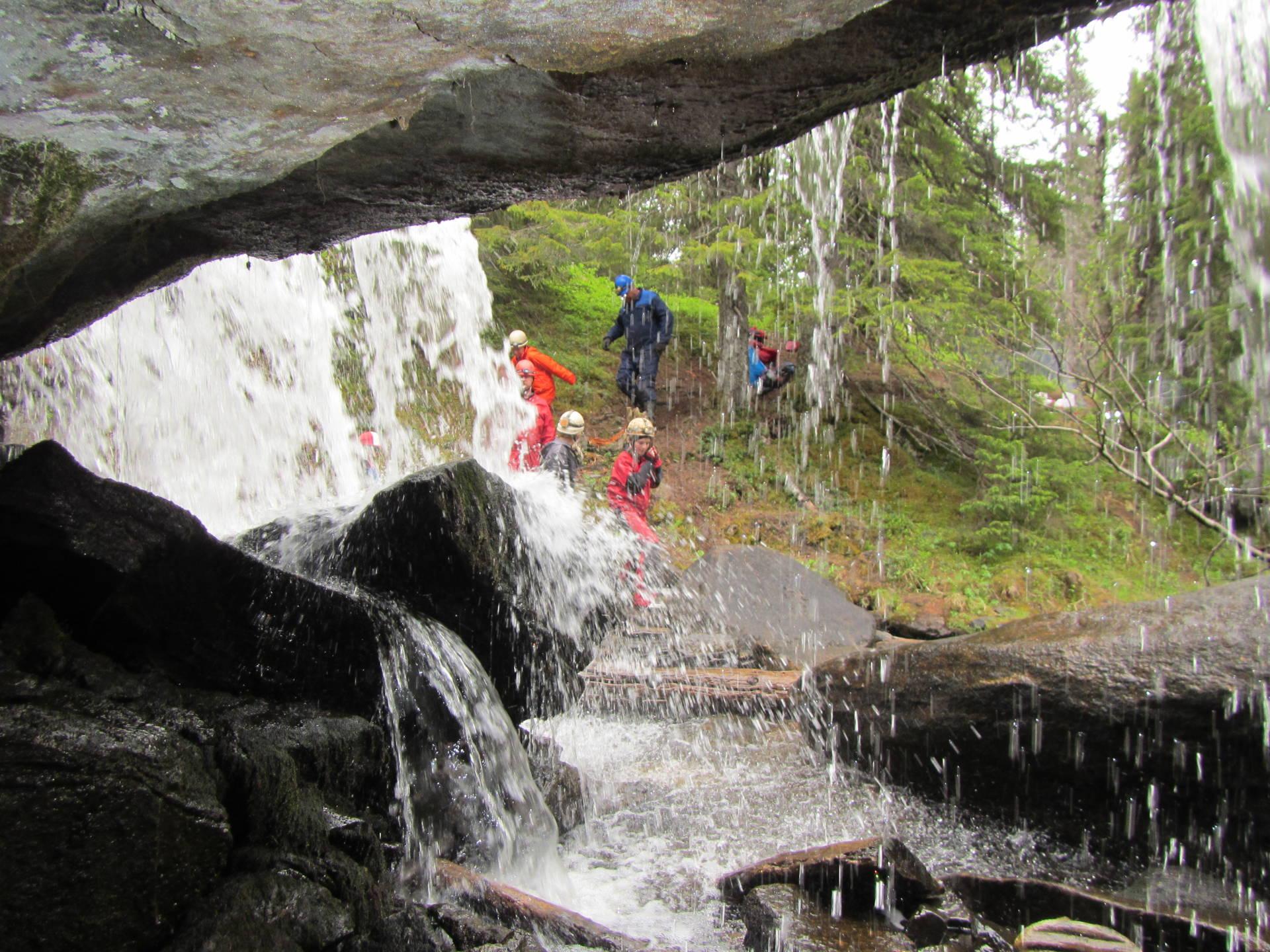 Grottur till Bergsjögrottan